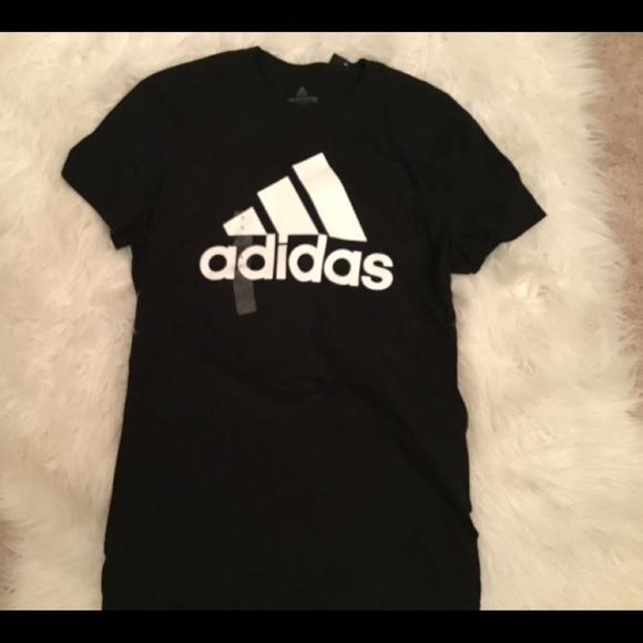 Adidas  mujer Tshirt tamaño Small NWT poshmark tops